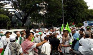 Peserta massa aksi 212 berkumpul di Jl. Senen. Foto Romandhon/Nusantaranews