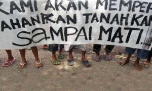 Sejumlah masyarakat adat mempertahankan tanah mereka. Foto ilustrasi via okezone