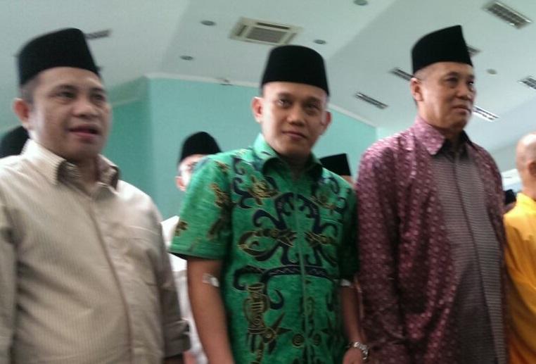 Sekjend DPP PKB Abdul Kadir Karding (Tengah) bersama Mantan Meneteri Desa Marwan Jakfar. Foto HatimNusantaranews