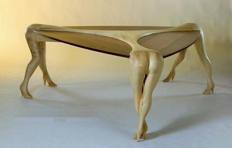 Modern Art Table/Foto: Dok. brynosaurus.com