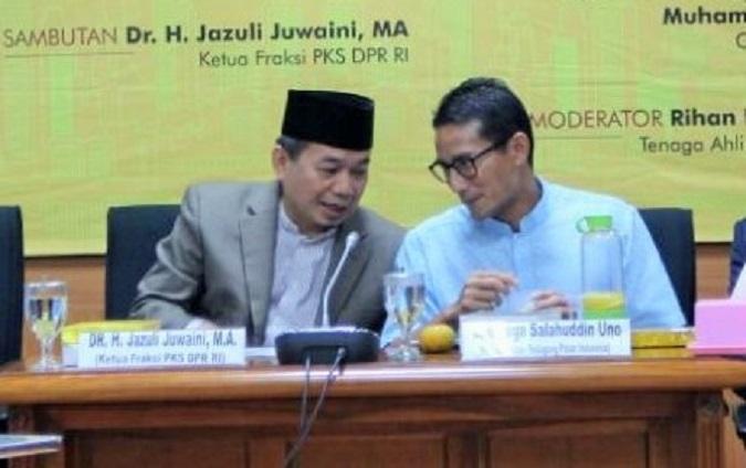 Ketua Fraksi PKS, Jazuli Juwaini (tiga dari kiri) saat Seminar 'Refleksi Akhir Tahun dan Outlook Ekonomi-Bisnis 2017', Rabu (14/12/2016)/Foto Nusantaranews
