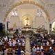 Umat Kristen mengikuti misa Natal di Gereja Katedral Santa Perawan Maria Ratu Rosario Suci, Semarang, Jawa Tengah, Kamis (25/12)/Foto ANTARA/Rekotomo