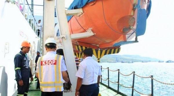 Ditjen Hubla saat mekukan Ramp Check Kapal dalam Rangka Angkutan Laut Natal 2016 dan Tahun Baru 2017/Foto: Dok Humas Kemenhub