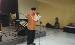 Taufiq Ismail menyampaikan pidato pengantar/Foto Selendang/nusantaranews