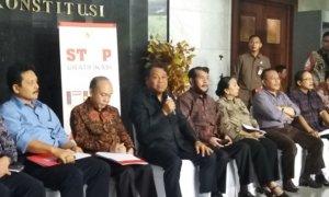 Ketua Mahkamah Konstitus (MK), Arief Hidayat Saat Konferensi Pers Kamis (26/1/2017). Foto Fadilah/Nusantaranews