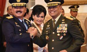 Marsekal TNI Hadi Tjahjanto sebagai KASAU bersama Panglima TNI. Foto Dok. @Puspen_TNI