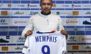 Memphis Depay resmi pindah ke Olympique Lyon. Foto via @panditfootball