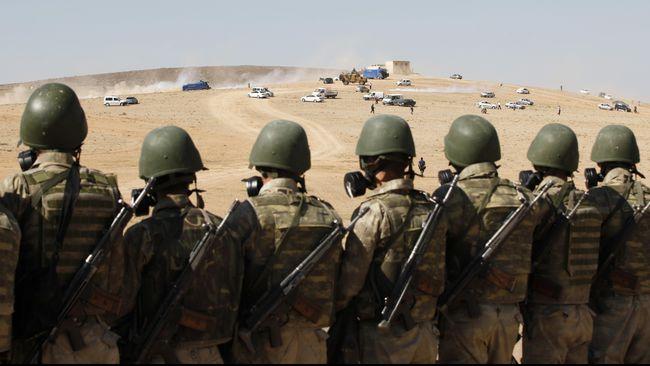 Para tentara tampak berbaris. foto Ilustrasi/CNN