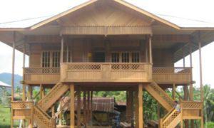 Woloan, rumah panggung tahan gempa. Foto IST