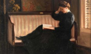 Woman Reading on a Settee (c.1905-1910). William W. Churchill (American, 1858-1926). Oil on canvas.In the Fenway Studios, Churchill painted this work, which shows his talent for portraying light and conveying atmosphere/Foto: pictify.saatchigallery.com