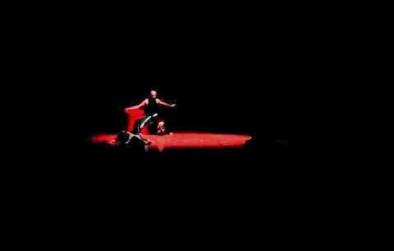 """Solo 24 Jam menari 2015 Dance Kontenporer """" SINTREN ASMARALOKA""""/Foto via YouTube"""