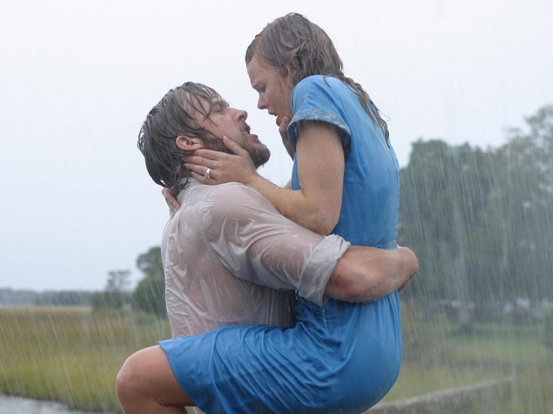 Ryan Gosling dan Rachel McAdams dalam film The Notebook (2004) New Line/REX/Shutterstock