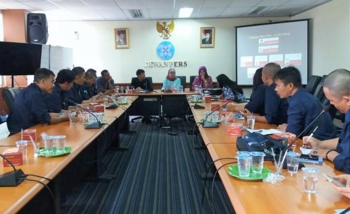 16 wartawan media cetak, online tergabung dalam wadah Persatuan Wartawan Indonesia (PWI), mengunjungi Dewan Pers Indonesia, jalan Kebon Sirih Jakarta Pusat, Kamis (22/12/2016)/Foto: detiksumsel.com