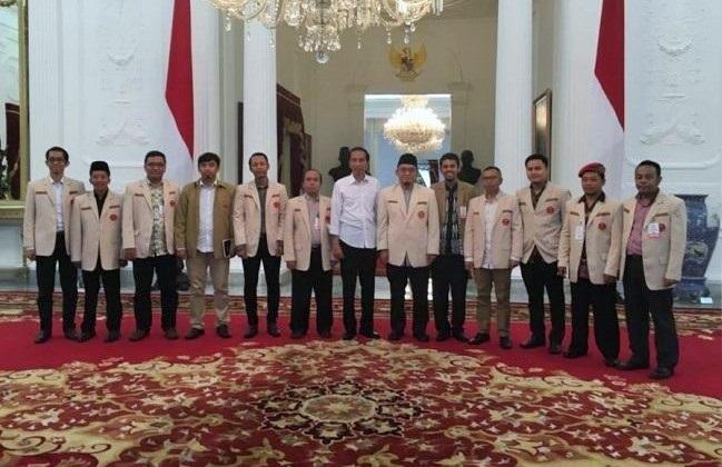 PP Pemuda Muhammadiyah saat memenuhi undangan Presiden Joko Widodo di Kompleks Istana Kepresidenan, Jakarta, Senin (20/2/2017)/Foto: Via sangpencerah.id