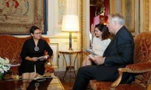 Menteri Luar Negeri Perancis Jean-Marc Ayrault saat menerima Menteri Luar Negeri Indonesia Retno Marsudi di Quai d'Orsay, 6 Juli 2016/Foto: Dok. ambafrance-id.org