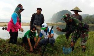 Demi Wisata Daerah Danramil 0807/19 Pucanglaban Pimpin Penghijauan/Foto Penrem081