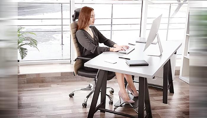 Studi: Postur duduk tegak dapat mengobati stres.