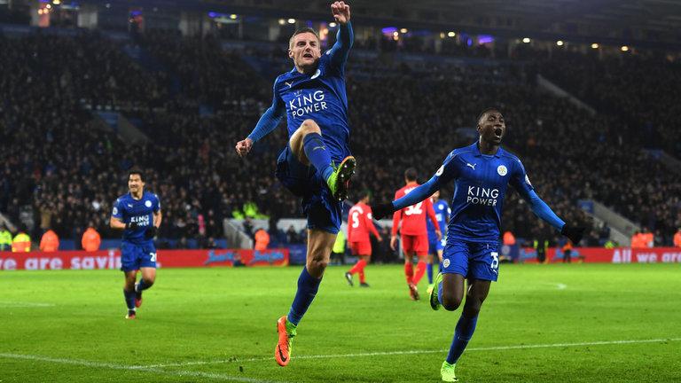 Para pemain Leicester melakukan selebrasi usai mencetak gol ke gawang Liverpool/Foto: Dok. Sky Sports