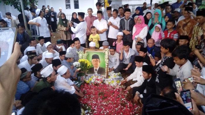 Usai prosesi pemakaman KH Hasyim Muzadi/Foto Richard Andika / NUSANTARAnews