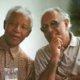 Ahmed Mohamed Kathrada bersama Nelson Mandela/Foto via bcnews/Nusantaranews