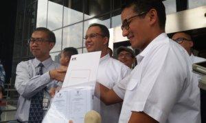 Anies baswedan saat dampingi Sandiaga ke KPK/Foto Restu fadilah/Nusantaranews