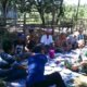 BABINSA Koramil 01/Pancung Soal, Kodim 0311/Pessel, Korem 032 Wirabraja, melakukan komunikasi sosial (komsos) dengan masyarakat terkait pertanian. DOK. PENREM 032/WBR