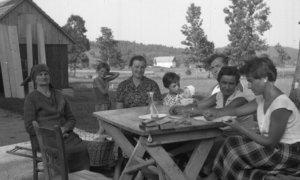 Etnografi pri delu, Zadlog 1959/Foto wikimedia/Nusantaranews