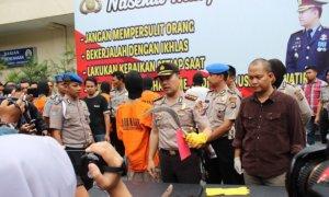 Kapolda DIY didampingi Kapolresta Yogyakarta Tunjukkan baran bukti kepada wartawan/Foto Erit S