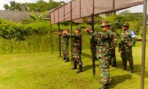Kodim 0819/Pasuruan melaksanakan latihan menembak senjata ringan/Foto Pendim-19
