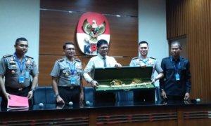 Pedang Emas Cindera Mata Dari Raja Arab/Foto Restu Fadilah/Nusantaranews