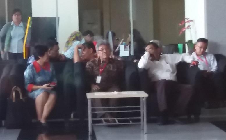 Plt Sekjen Dewan Perwakilan Rakyat (DPR) RI, Achmad Djuned memenuhi panggilan KPK/ Foto Restu Fadilah/Nusantaranews