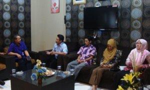 Rektor UMK Dr. Suparnyo saat menerima kunjungan Komisioner KPU Kudus/Foto Dok. Pribadi/Nusantaranews