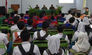 SMKN 2 Trenggaleek saat datangi ke kodim trenggalek/Foto Dok. Pribadi/Nusantaranews