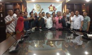 Sejumlah Kepala Daerah dan Anggota DPR Aceh saat menyambangi Gedung DPR/MPR RI/Foto Deni/Nusantaranews