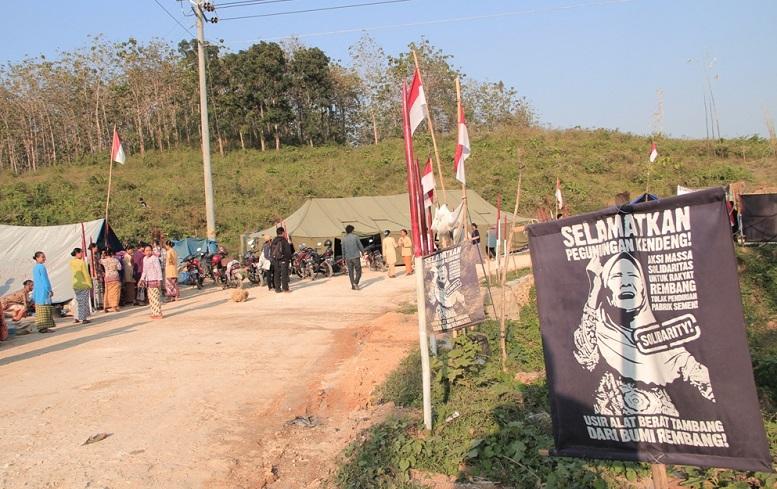 Solidaritas Sedulur Kendeng Tolak Pabrik Semen Rembang/Foto via mongabay/Nusantaranews