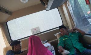 SONY DSC Bendahara PC GP Ansor Way Kanan Abdullah Candra Kurniawan donor darah pada peringatan Sumpah Pemuda/Foto: Dok. GP Ansor Waykanan