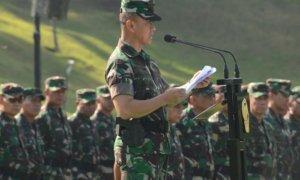 Kasad, Jenderal TNI Mulyono, saat membuka Apel Dansat dan Rabiniscab TNI AD TA 2017/Foto: Dok. Dispenad