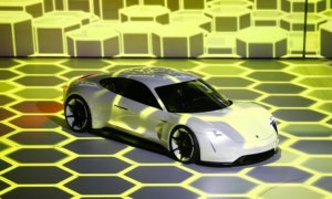 Porsche Mission E, Sekali Cas, 500 KM Terlampaui/Foto: Dok. Business Insider