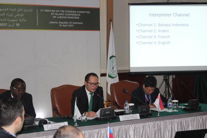 Menteri Ketenagakerjaan Indonesia, Muhamad Hanif Dhakiri saat acara Konferensi di Hotel Bidakara, Jakarta, Senin, 10 April 2017. Foto Richard Andika