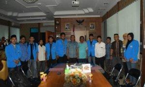 Foto panitia Kongres XIX dengan Walikota Palu. Foto Dokumentasi Panita