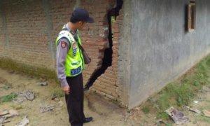 Kerusakan Akibat Longsor Ponorogo/Foto Nur/Nusantaranews