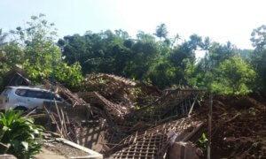 Kerusakan diakibatkan tanah longsor di Ponorogo/Foto Tri Wahyudi/Nusantaranews