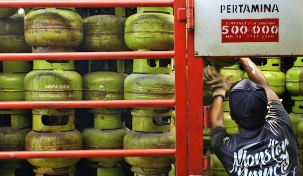 Tepis Isu Kelangkaan, Pertamina Siapkan 402 Ribu Tabung Gas Elpiji 3 Kg Tambahan Untuk Jakarta. Ilustrasi/ Foto: CNN Indonesia
