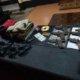 Barang bukti sejumlah senjata rakitan beserta amunisi milik para terduga teroris di Tuban, Jawa Timur. (Dok. Dispenad)