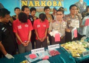 Polrestabes Surabaya Sita Sabu 17 Kg. Foto Tri Wahyudi