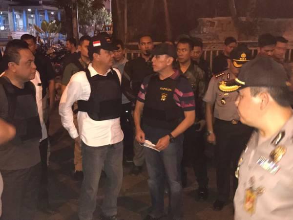 Ka BIN, Wakapolri, Kapolda datangi okasi ledakan Kampung Melayu Rabu (24/5/2017) malam/Foto: Eriec Dieda/Nusantaranews