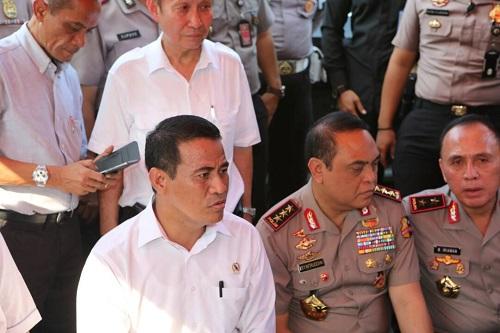 Menteri Pertanian dan Polri Temukan Penimbunan 182 Ton Bawang Putih di Marunda. Foto: Dok. Humas Kementan