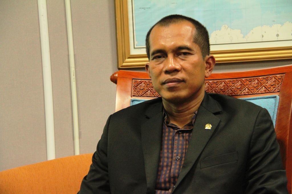 Ketua Komisi I DPR RI dari Fraksi PKS, Dr. Abdul Kharis Almasyhari (Foto: Budiman/ Humas Fraksi PKS DPR RI)