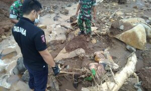 Kembali Satu Jenazah Diketemukan di Lokasi Tanah Longsor Ponorogo/Foto Muh Nurcholis/Nusantaranews