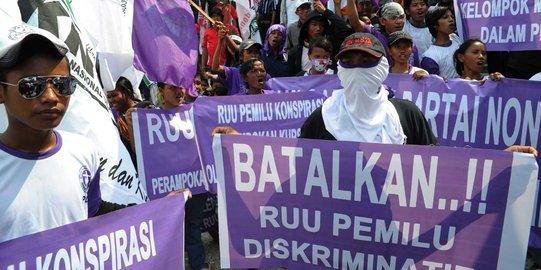 Penolakan RUU Pemilu/Foto via Merdeka/Nusantaranews